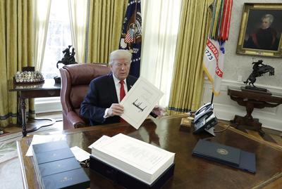 17855818ee7f42c5b4da1f39e645058c_Trump_20138_4200x2825.jpg